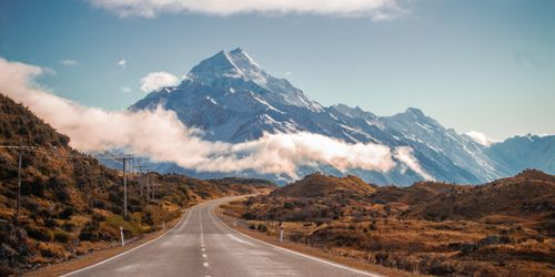New Zealand landscape of road and mountains